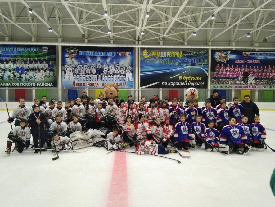 14 - 15 марта в Ледовом дворце ФОК «Олимп» состоялось Открытое Первенство Советского района по хоккею среди детских команд 2008-2009 гг.р.